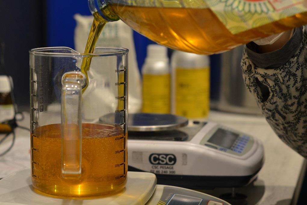 Pesé huile de cameline